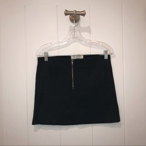 LIGHTLY WORN BB Dakota Little Black Zip Skirt